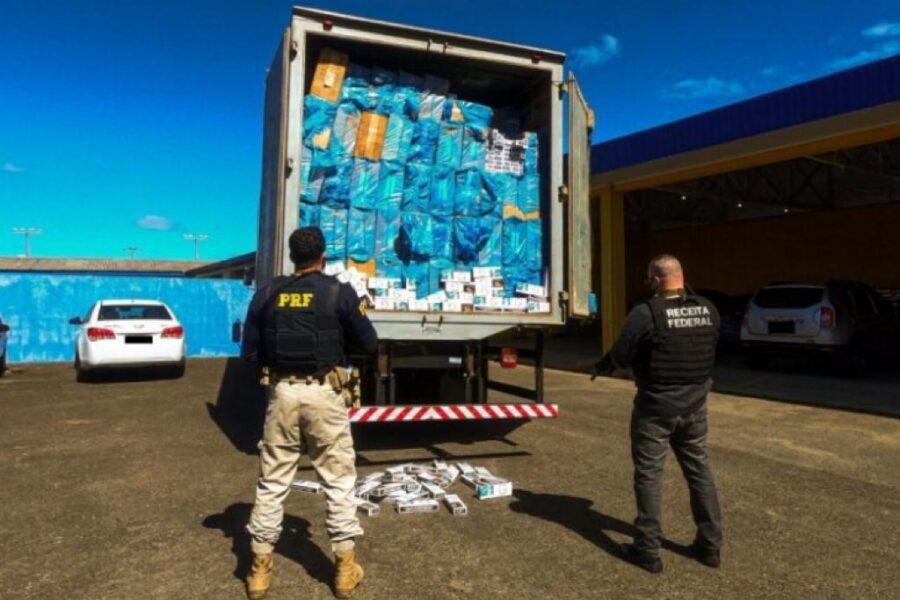 Veja o vídeo do caminhão de São Leopoldo que foi apreendido com R$ 1,74 milhão em cigarros contrabandeados
