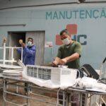 """Os """"doutores da manutenção"""" que atuam nos bastidores para garantir o tratamento dos pacientes no Centenário"""