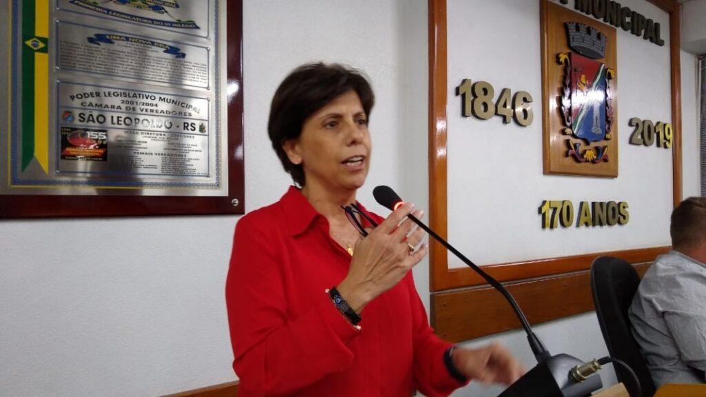Iara Cardoso propõe carteira de vacina covid para bares/restaurantes/academias/teatros/cinemas e jogos de futebol