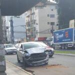 ATENÇÃO: Colisão na Avenida Dom João Becker chama atenção de motoristas e pedestres nesta manhã