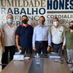 Deputado Carlos Gomes e prefeito Vanazzi com a missão de administrar os dois  grupos do  Republicanos de São Leopoldo
