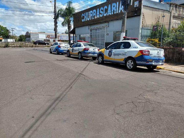 Em São Leopoldo Força-Tarefa fecha churrascaria que desrespeitava decreto municipal