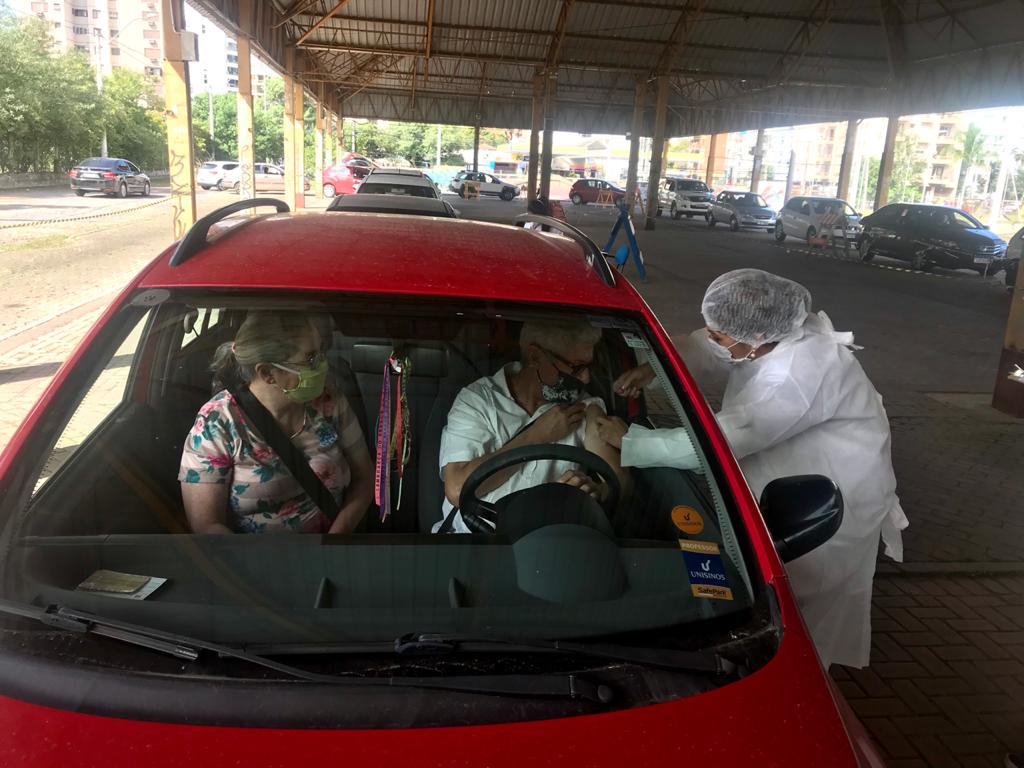 São Leopoldo mantém nesta terça-feira vacinação para faixa etária 63 anos e 2ª dose