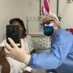 Videochamadas em clima de Páscoa no Hospital Centenário