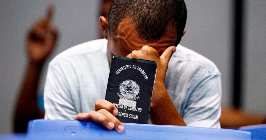 Brasil bate recorde de desempregados, segundo IBGE