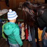 Loja Social Móvel leva agasalhos para quem mais precisa em Esteio