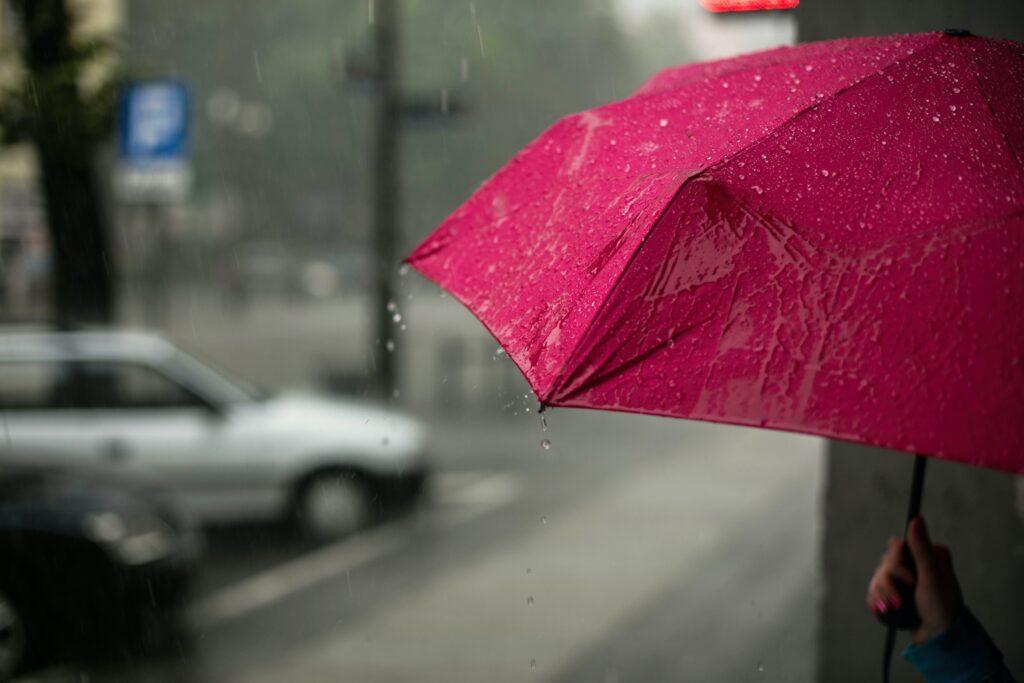 Preparem os guarda-chuvas! Agosto deverá ter mais chuva e menos frio