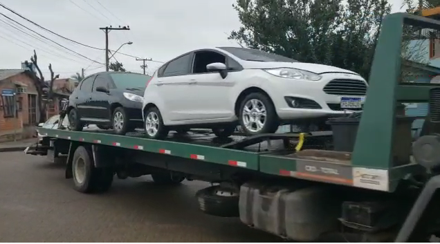 Confira o vídeo: Oficina no bairro Canudos era especializada em adulterar veículos para transporte ilicito de drogas, armas e dinheiro